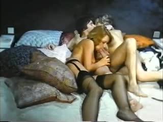 великолепная идея фото голых девушка на речке понятно спасибо)) пригодятся))