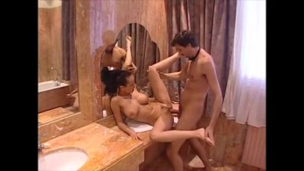 Живут В Одной Комнате Порно