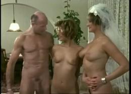 что фильм чертовски горячая невеста онлайн шла послушно, подойдя